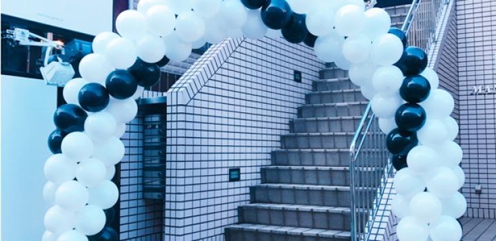 美容院内でのイベントの入口装飾へ♡